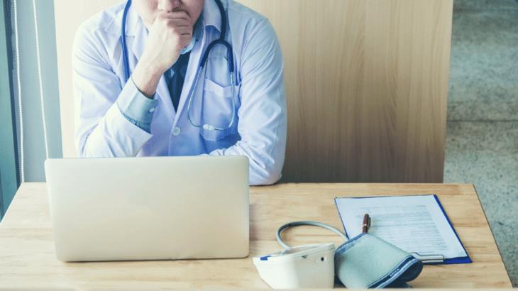 ausentismo de pacientes y cómo solucionarlo con Doctoralia